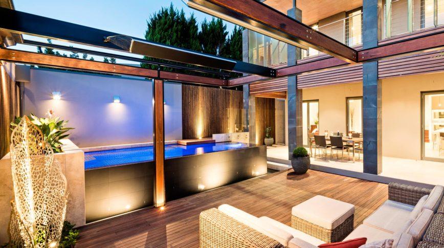 Terrasse à ciel ouvert avec des chauffage Design Heatrip
